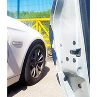 Streetwize Door guards are equipped with reflective elements which improve safety and visib
